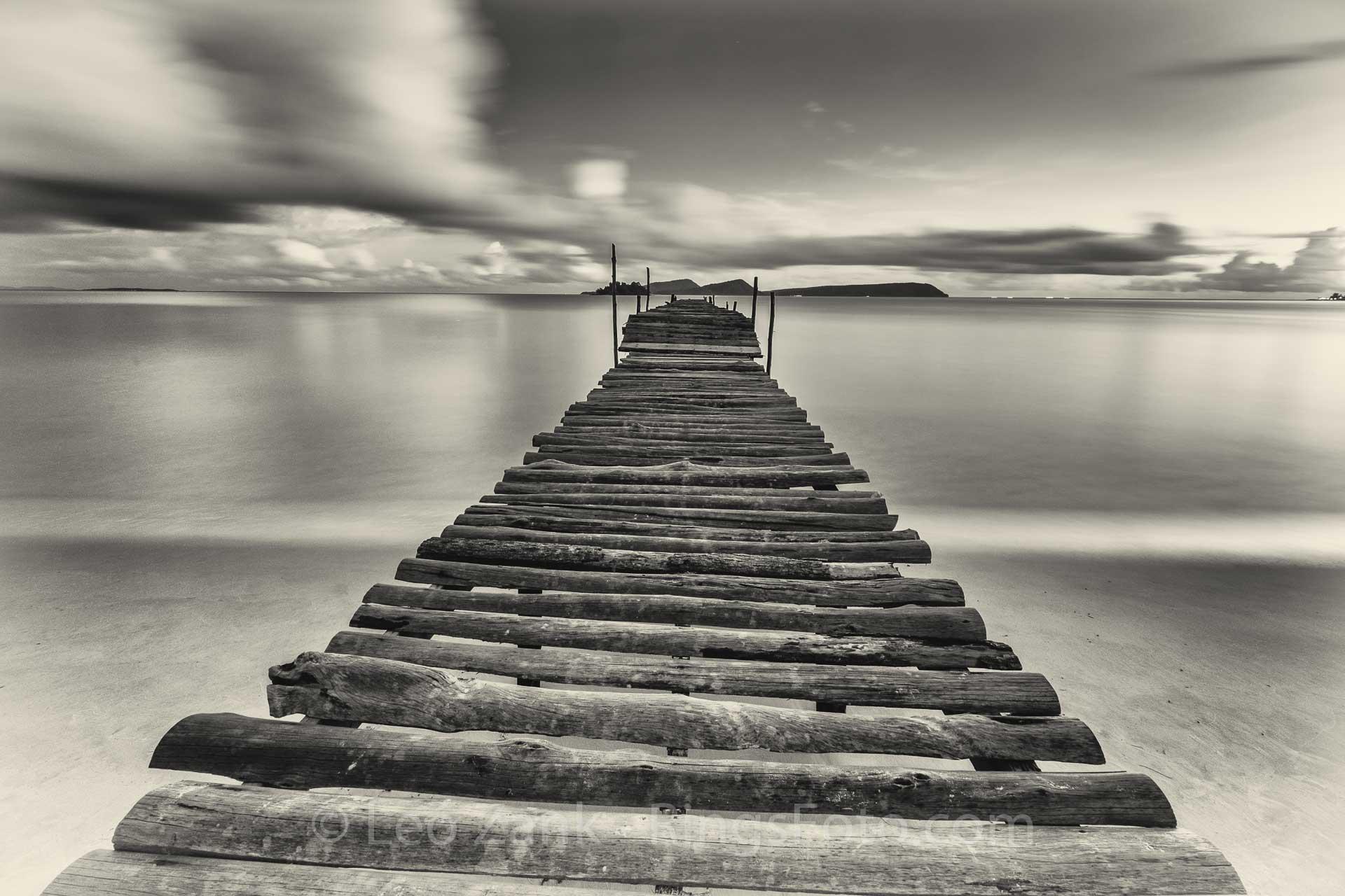 Long Beach's wooden pier, Black-n-White